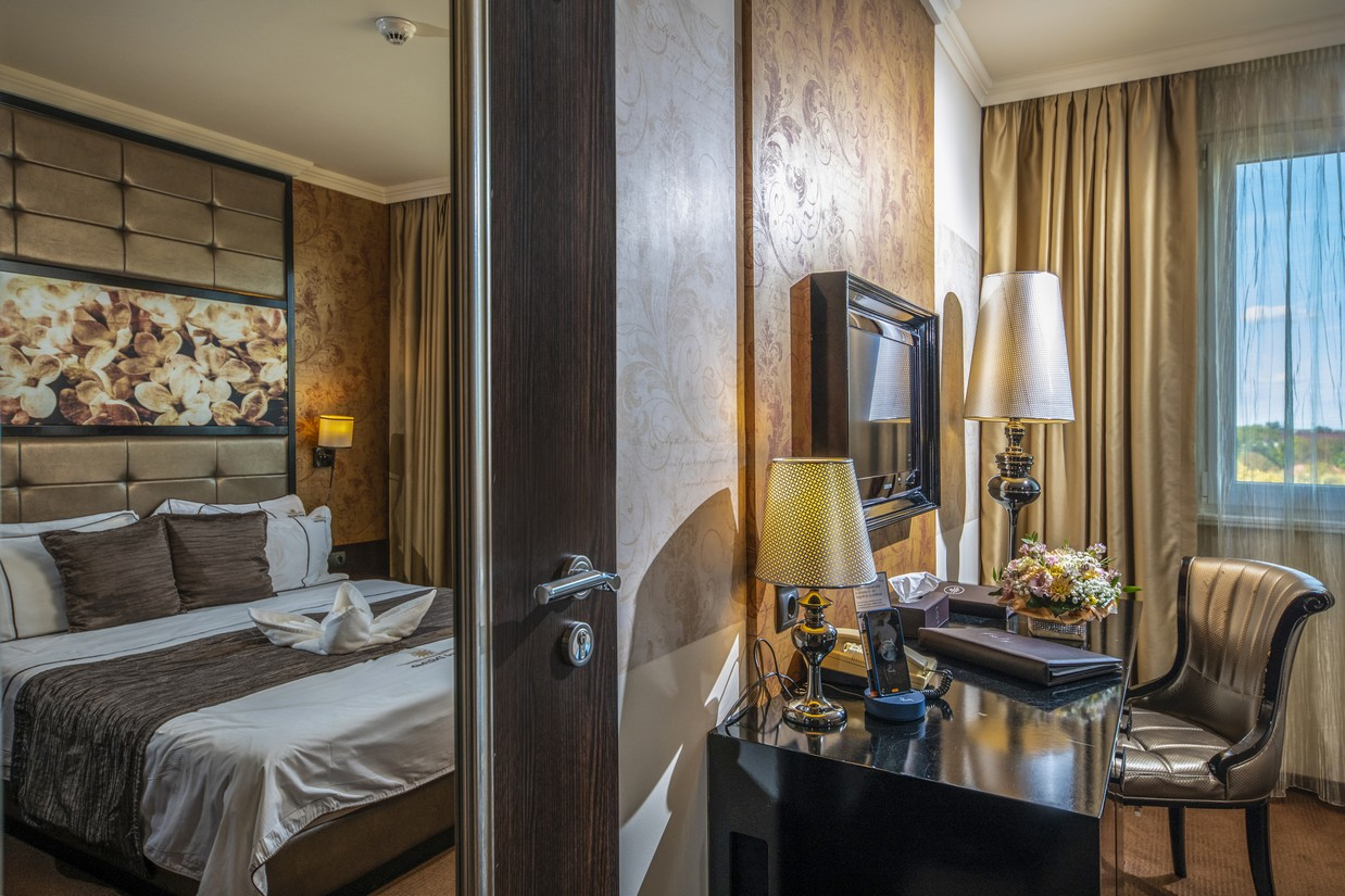 Classic-szoba-teljeskep-HotelDelibab