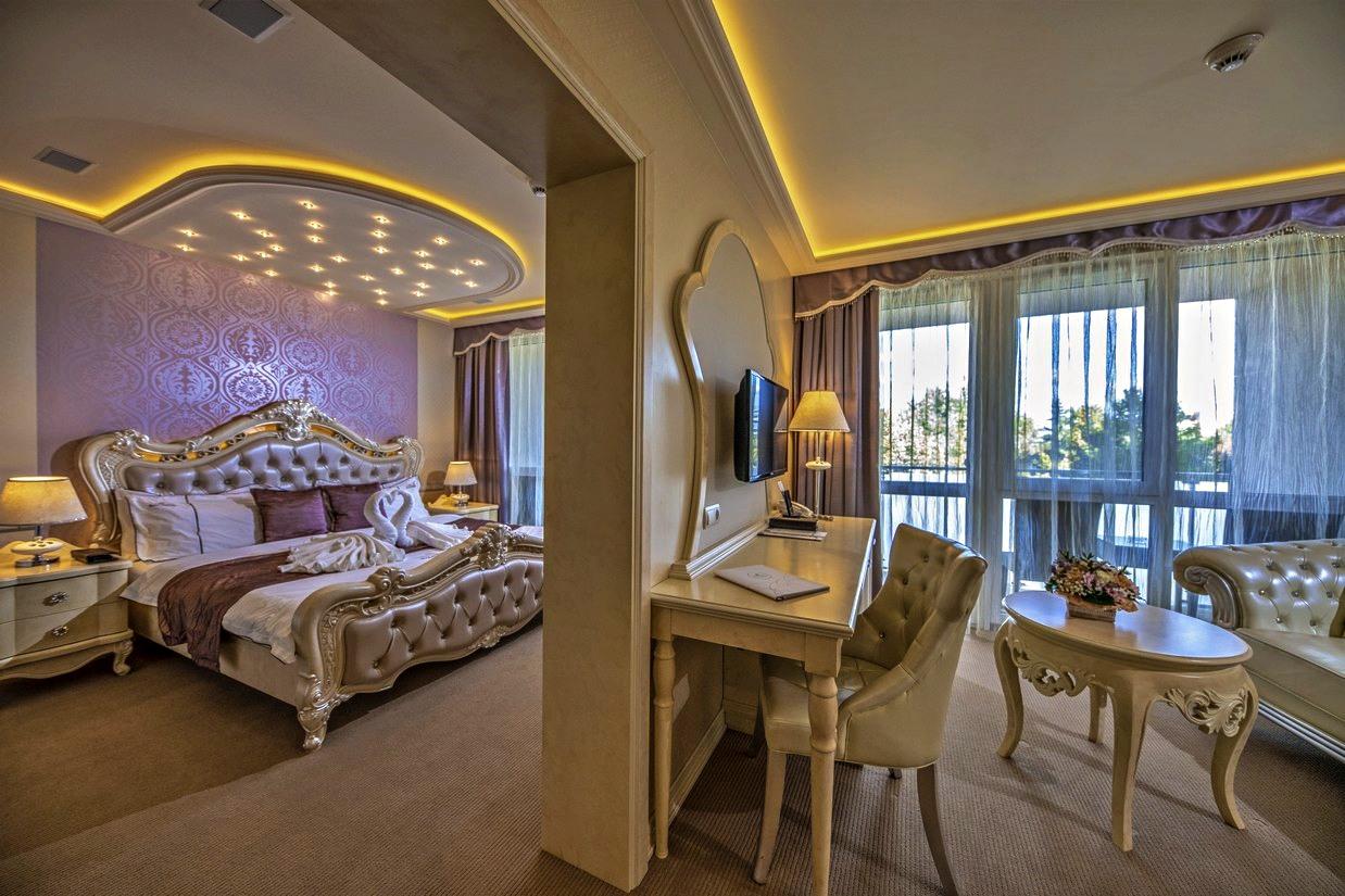 Gyongy-lakosztaly-suit-teljes-HotelDelibab