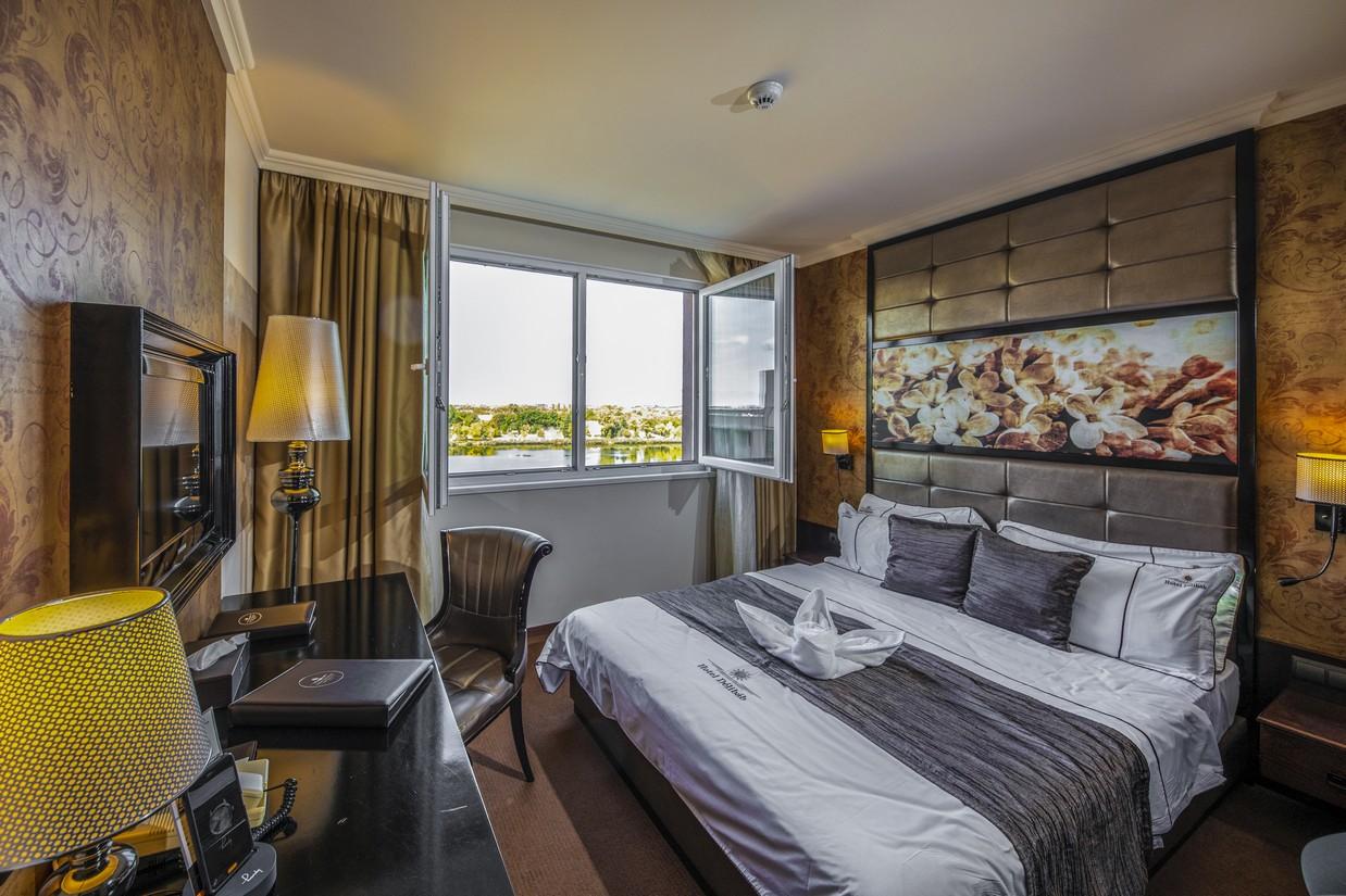 Classic-szoba-kilatas-HotelDelibab
