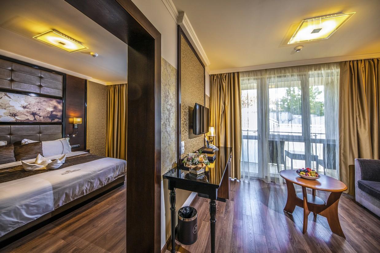 Junior-lakosztaly-HotelDelibab-EgyEjszakasKaland