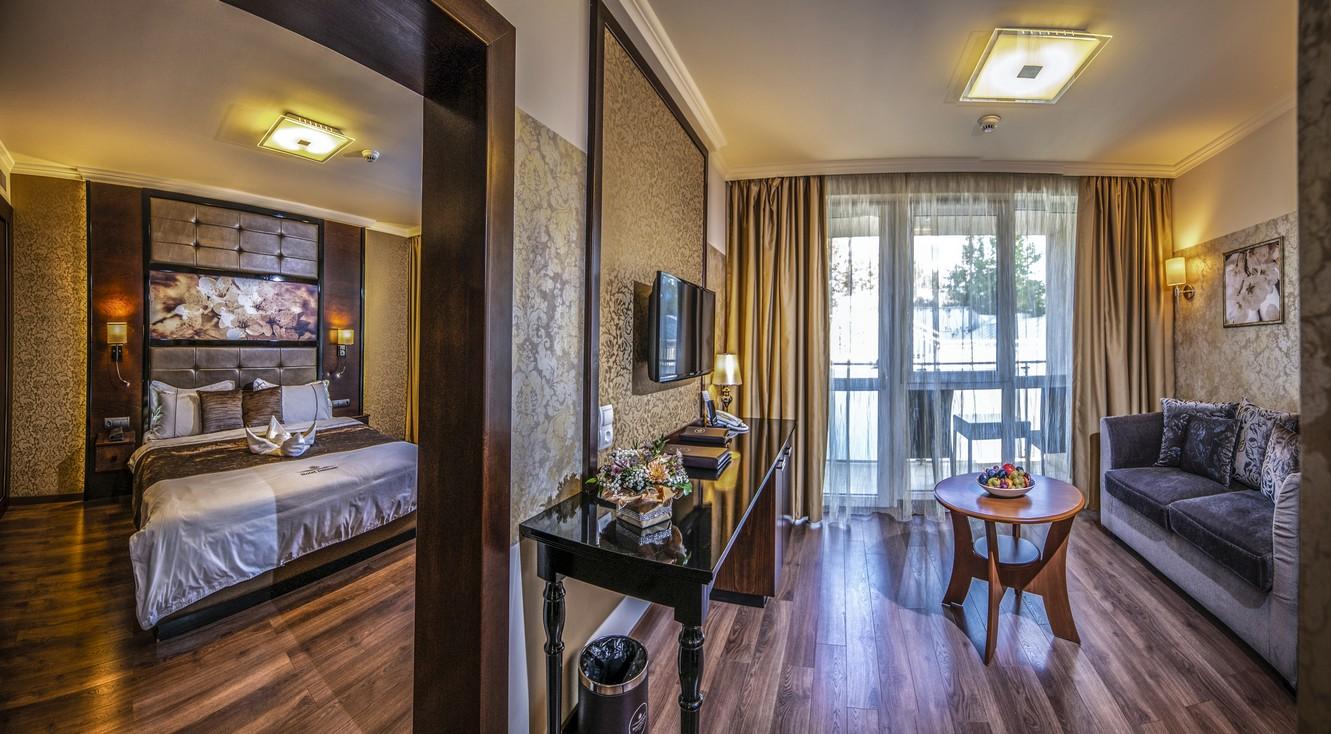 Junior-lakosztaly-panoramafoto-HotelDelibab