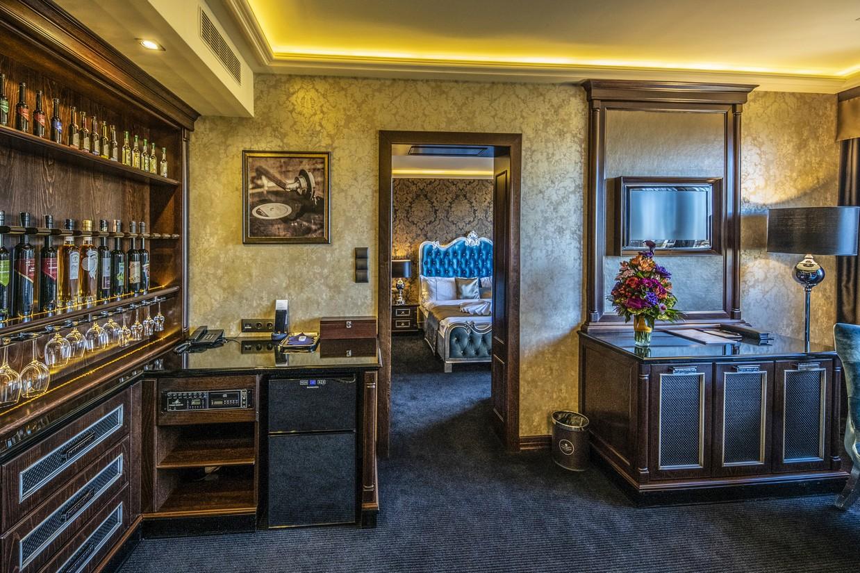 MirageDeluxe-lakosztaly-nappali-HotelDelibab(1)