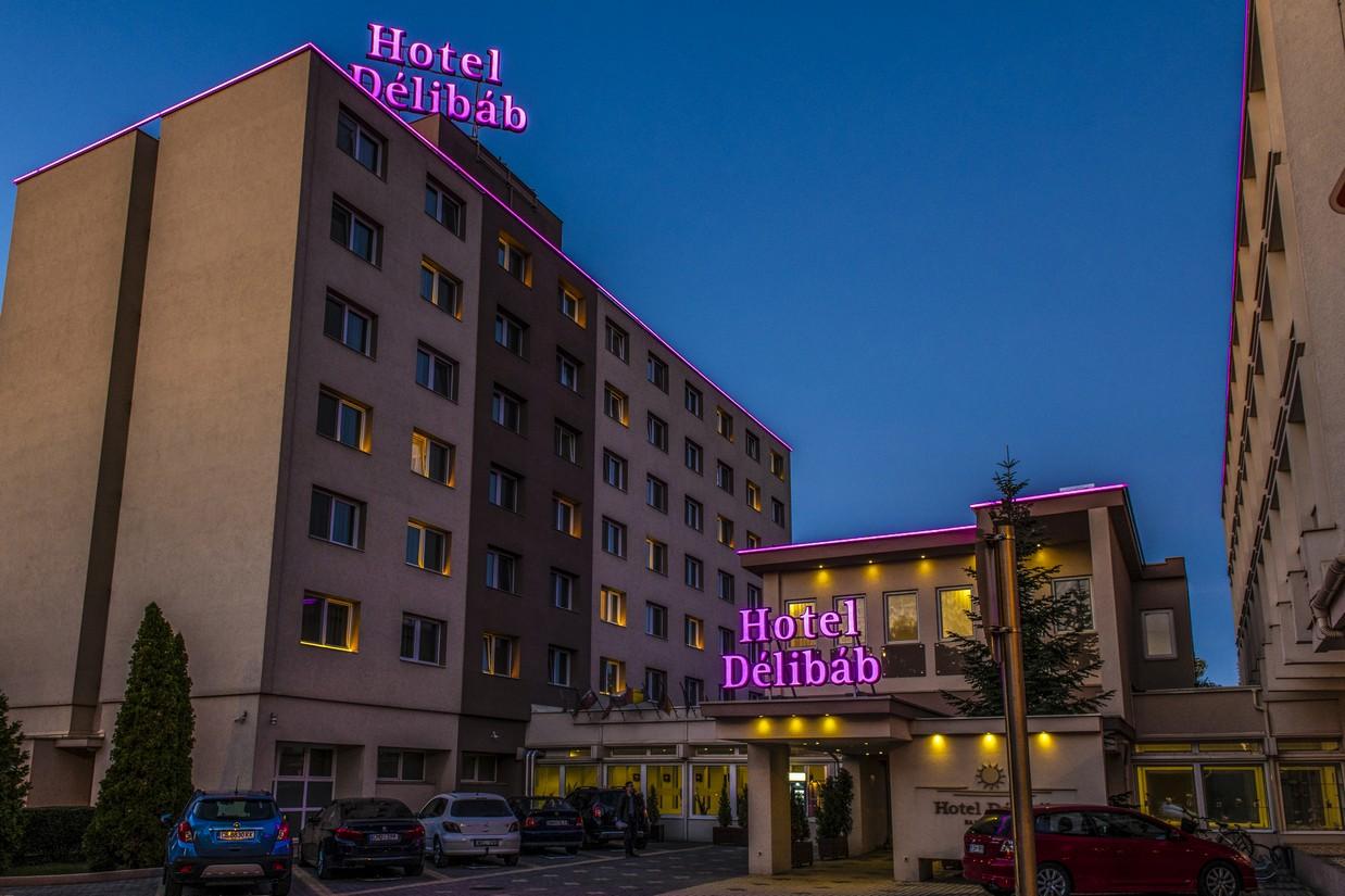 Hotel-Delibab-Hajduszoboszlo-kivilagitas